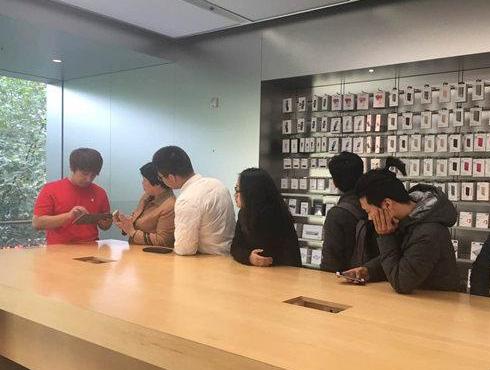 iPhone 6S大规模自动关机!苹果:无统一解决方案