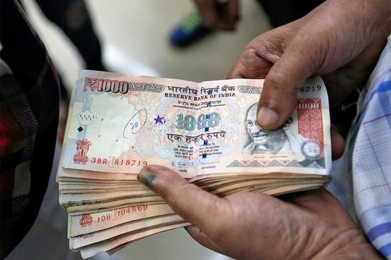 印度取消大額貨幣金融亂套:馬云意外大賺