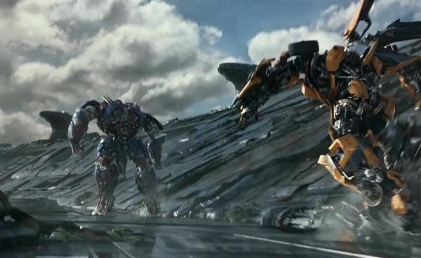 《变形金刚5》正式预告片发布 大黄蜂遭殃了4.jpg