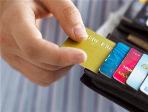"""""""无卡""""时代下 信用卡管理?#36855;?#20040;玩?"""