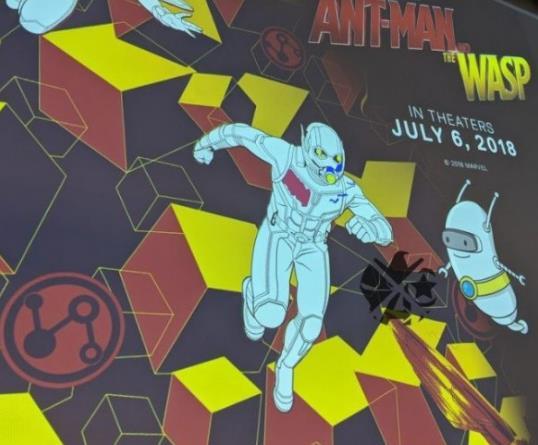 """《蚁人2》新海报""""时空机器人""""亮相 穿越多元宇宙拯救黄蜂女"""