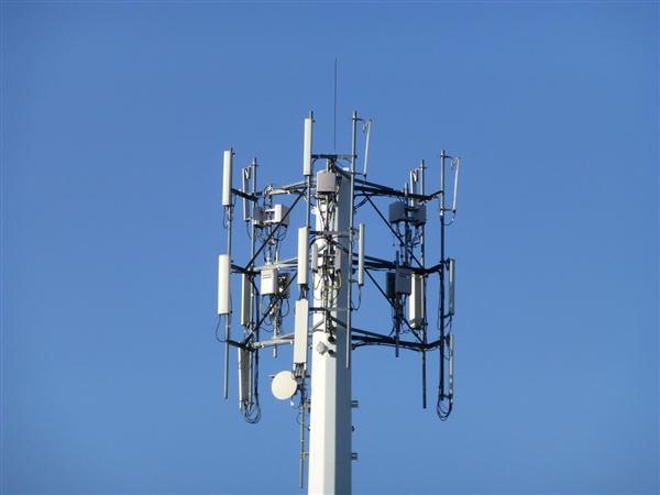 Q1三大运营商日赚3.7亿!用户手机流量翻倍