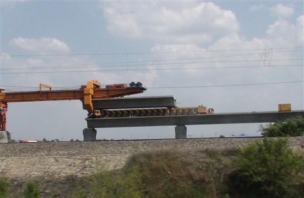 日本秀高铁技术:时速505公里的中央磁悬浮?#19978;?027年开通