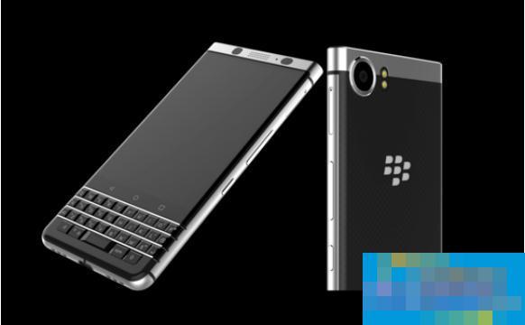 新款键盘BlackBerry智能手机亮相2017 CES展