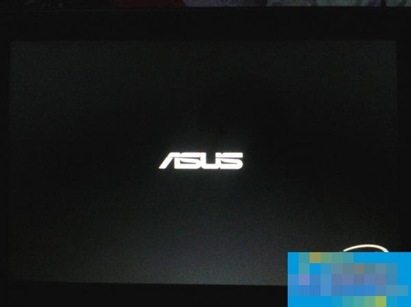 华硕笔记本Win7开机卡在ASUS LOGO界面的原因分析