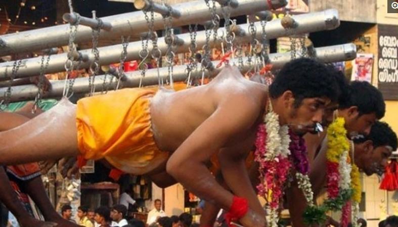 直击:印度街头的开挂奇人,奇葩到让人鸡皮疙瘩狂落一地