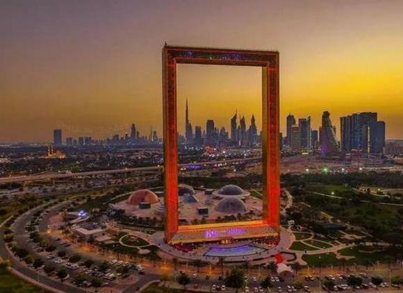 """迪拜""""世纪之门""""新坐标!3个亿建成世界上最大相框"""