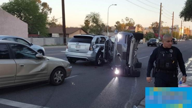 """Uber无人车发生侧翻事故,但这个""""锅""""Uber不背"""