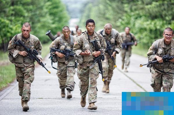 小胡子的黑人部队